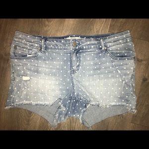Torrid distressed jean shorts sz 16